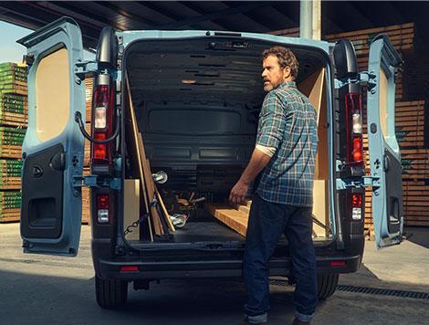 renault trafic panel van price review load specs. Black Bedroom Furniture Sets. Home Design Ideas